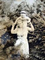 На даче детского сада Силикатного з-да (КСМ-24) под Звенигородом. 1962-63 г. Усова Антонина Васильевна с сыном Толей