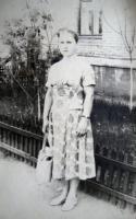 Пос. Главмосстроя у д.13 1961 г. Усова(Петушкова в дев) Антонина Васильевна
